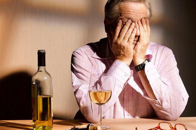 O que é abstinência alcoólica