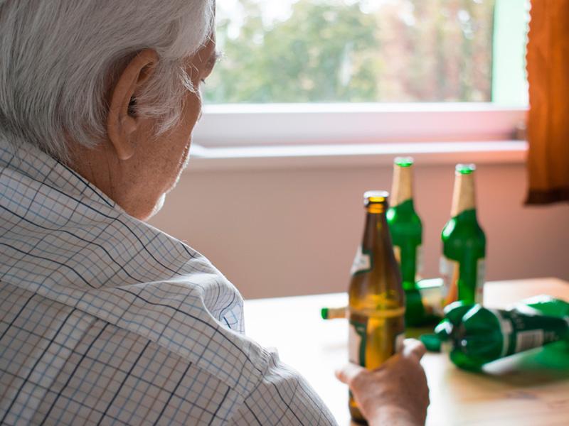 Alcoólatra ou alcoolista