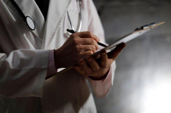Preço médio de mensalidade em clínica para recuperação de alcoólatra